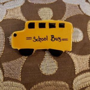 Jewelry - School bus pin
